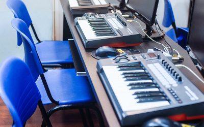 מוזיקה אלקטרונית, מונחון מא' ועד ת'